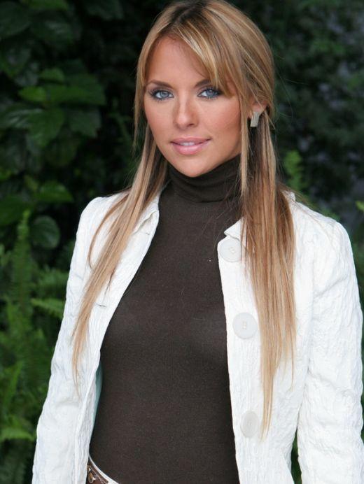 Vanessa Villela ( آنجلا دونوسو )