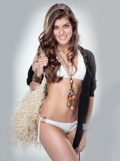 Asa a pozat fiica de 16 ani a actorului Jorge Salinas