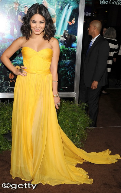 Vanessa Hudgens, intr-o rochie  Maris Lucia Hohan - FOTO