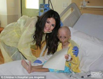 Selena Gomez a primit un mesaj extrem de emotionant din partea unei fane diagnosticate cu o boala rara - VIDEO