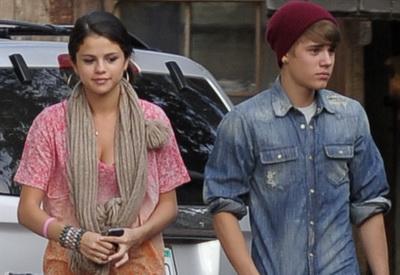 Justin Bieber vorbeste despre relatia sa intima cu Selena Gomez - VIDEO