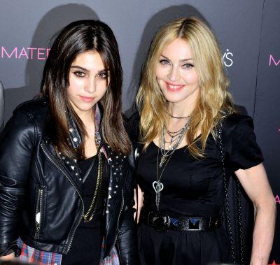 """Madonna s-a facut """"mama rea"""" - ii interzice fiicei sale exact ce facea si ea in adolescenta"""
