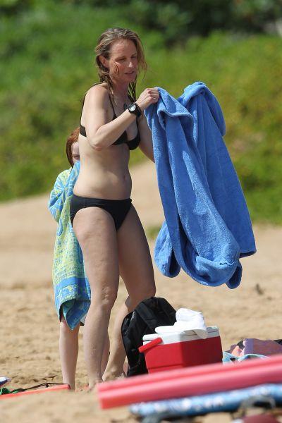 Helen Hunt, departe de sex simbolul care era pe vremuri: Isi expune celulita la plaja