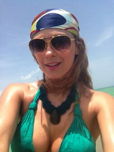 Aracely Arambula - supersexy in costum de baie