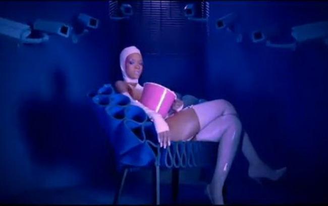 Noul videoclip al Rihannei, interzis in 11 tari
