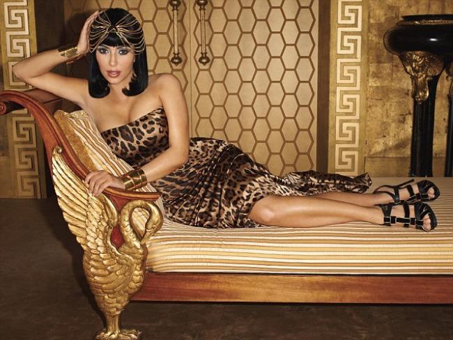 Kim Kardashian devine Cleopatra pentru Harper's Bazaar! VIDEO