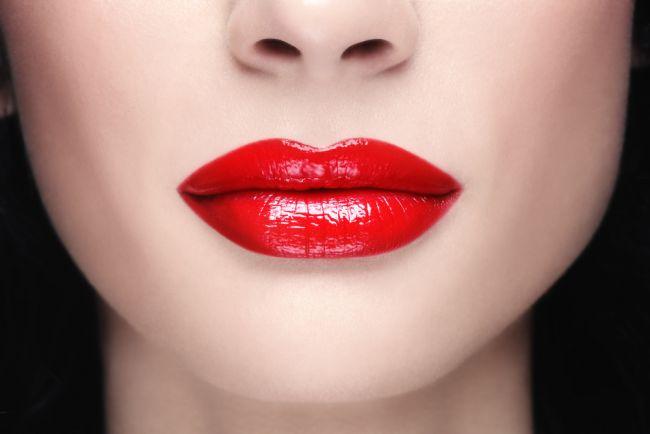 Cheia unui sarut perfect: buze perfect hidratate. Afla cum sa-ti ingrijesti buzele pe timp de iarna