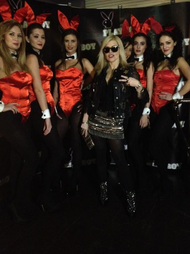 Fashion Police: Loredana, o prezenta sexy printre iepurasii Playboy. Iti place outfitul ei?