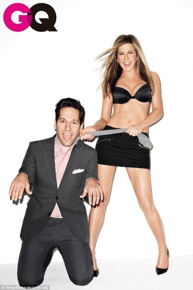 Jennifer Aniston - dominatrix in sutien pe coperta GQ GALERIE FOTO