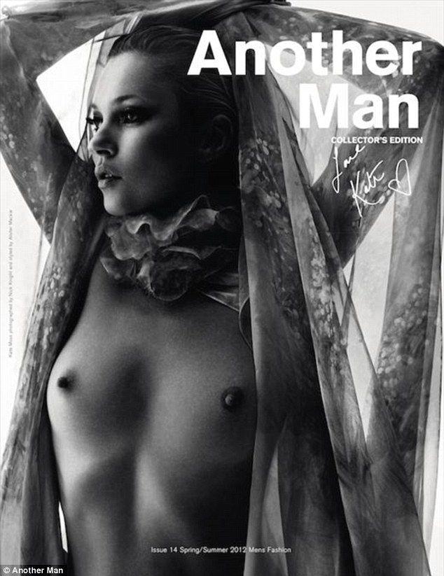 La aproape 40 de ani pozeaza topless si arata ca o adolescenta. Da, ati ghicit, nu poate fi vorba decat despre Kate Moss