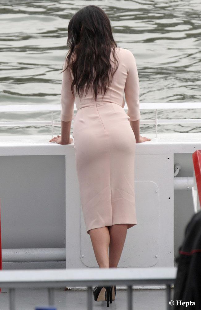 Ea e una din cele mai sexy actrite ale momentului. O recunosti de la spate?
