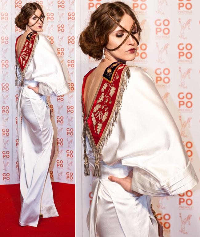 Iulia Albu, cea mai controversata aparitie de la premiile Gopo 2012. Vezi look-ul cu care a atras toate privirile