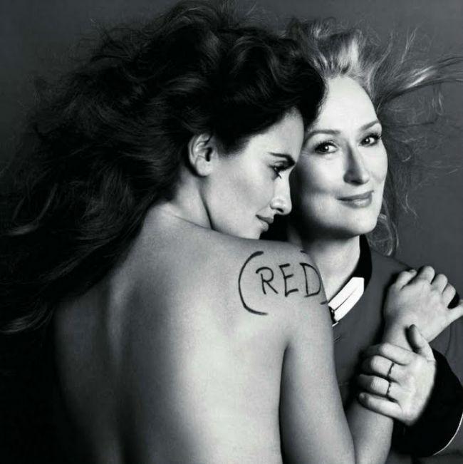 Penelope Cruz, despre sedinta foto goala cu Meryl Streep:  A trebuit sa stau topless deasupra ei  GALERIE FOTO