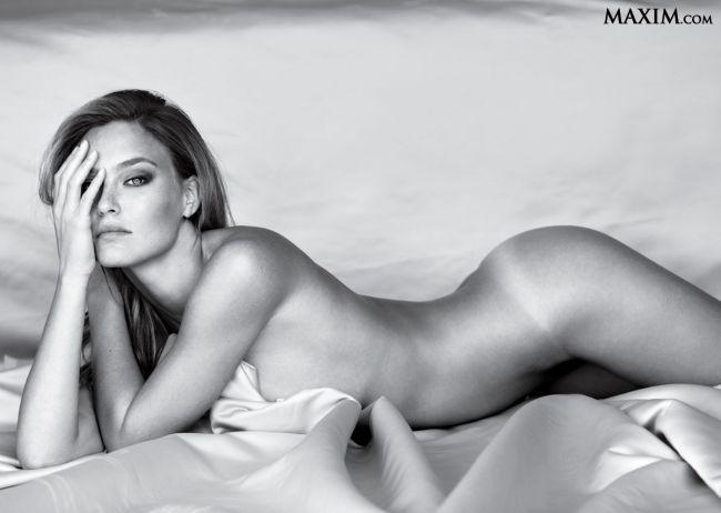 Rihanna si Shakira nu mai sunt suficient de sexy. Vezi cine a fost desemnata cea mai sexy femeie din lume