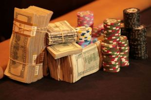 Careu de asi in finala Sunday Million: intelegere in 4 in finala Sunday Million