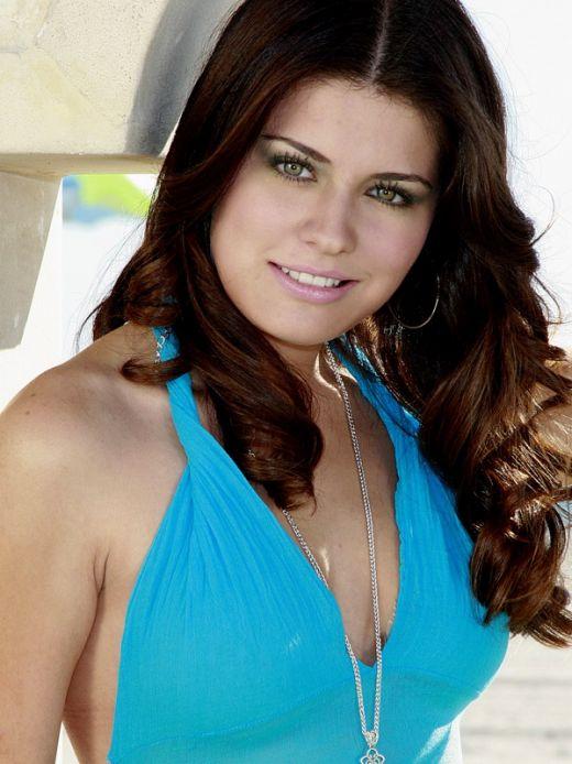 http://assets.acasatv.ro/assets/acasatv/2009/04/23/image_galleries/281/alejandra_lazcano600.jpg